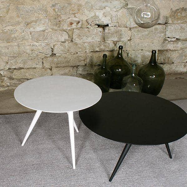 TURN, Mesa de centro e mesa lateral, por MAIGRAU - sublimada madeira maciça e linhas sóbrias. deco e design