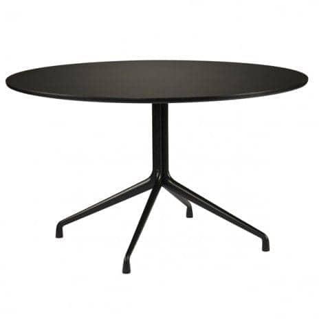 La aat20 tavolo da pranzo, realizzato in 23 millimetri di compensato