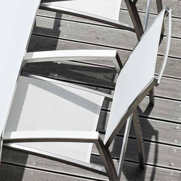 Innendørs og utendørs ALCEDO lenestol, med trimmet armlene, høy rygg, rustfritt stål og BATYLINE, Ref 2M2, laget i Europa av Todus