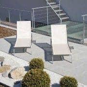 Sunlounger com mesa de extensão integrado, ALCEDO, aço inoxidável e BATYLINE, interior e exterior, feitos na Europa por TODUS - desenhado por JIRI SPANIHEL