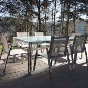 ARIA Esstisch oder Couchtisch, Klarglas Version von TODUS, große Auswahl an Abmessungen, robust, klare Linien: perfekt für den Einsatz auf der Terrasse oder in Ihrem Wohnzimmer