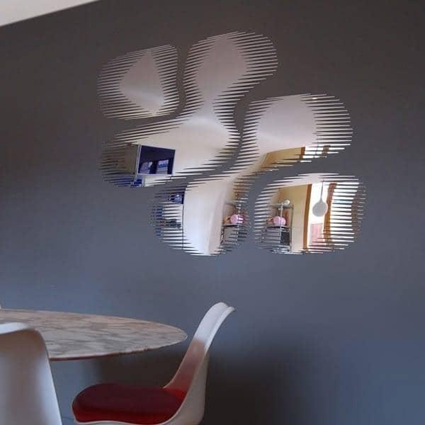 装飾は泡SNAPミラーを:フリンジのエッジを持つミラー- 104×144センチ