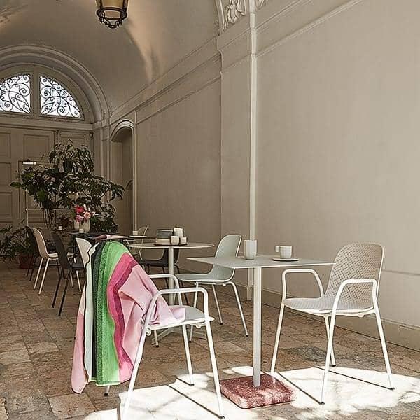 TERRAZZO : τετράγωνο ή στρογγυλό τραπέζι, 3 διαθέσιμα ύψη, πολλαπλά φινιρίσματα, από HAY
