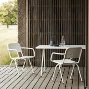 Chaise de table à manger moderne et outdoor RAY, par WOUD
