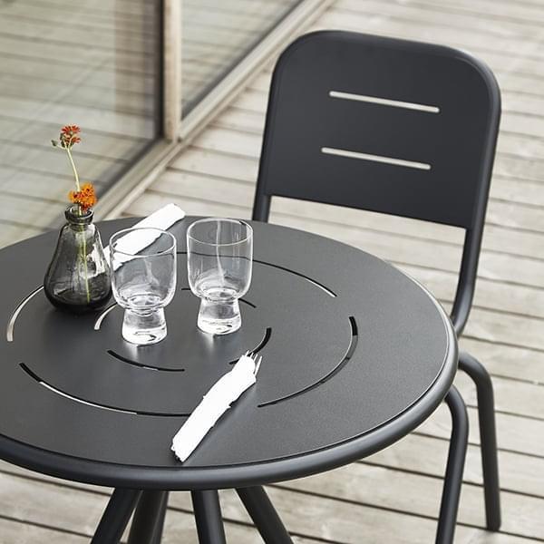 RAY udendørs CAF É borde, runde eller firkantede, af FASTING & ROLFF for WOUD