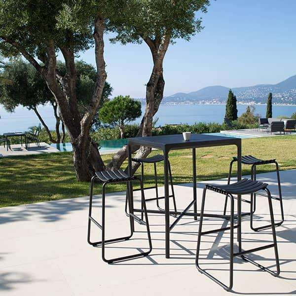 CLIPS contemporary bar stool, by HOUE