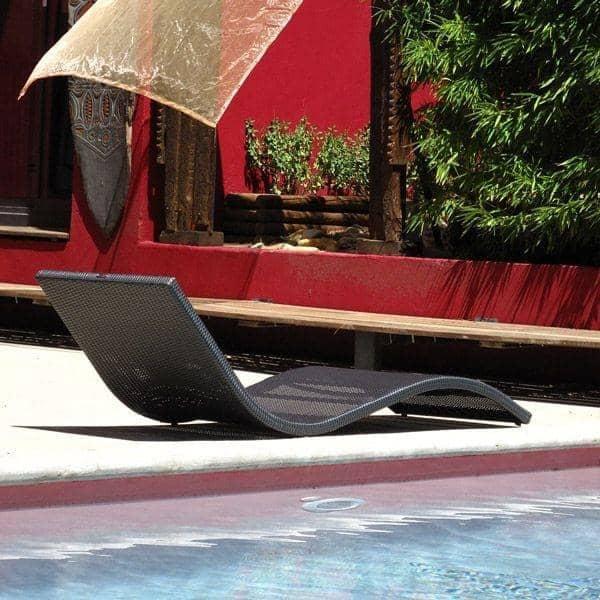 wave-liggestol-elegance-i-haven-eller-pa-terrassen-deco-og-design.jpg