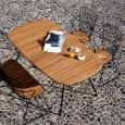 Ovaler Klapptisch BEAM aus Bambus und pulverbeschichtetem Stahl, Outdoor von HOUE