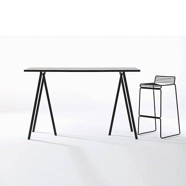 Den-loop-spisebord-ved-hay-er-smuk-let-at-leve-og-billigt-deco-og-design.jpg