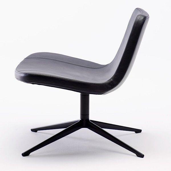 le fauteuil ray lounge par hay appelle au repos confortable et profond d co et design. Black Bedroom Furniture Sets. Home Design Ideas