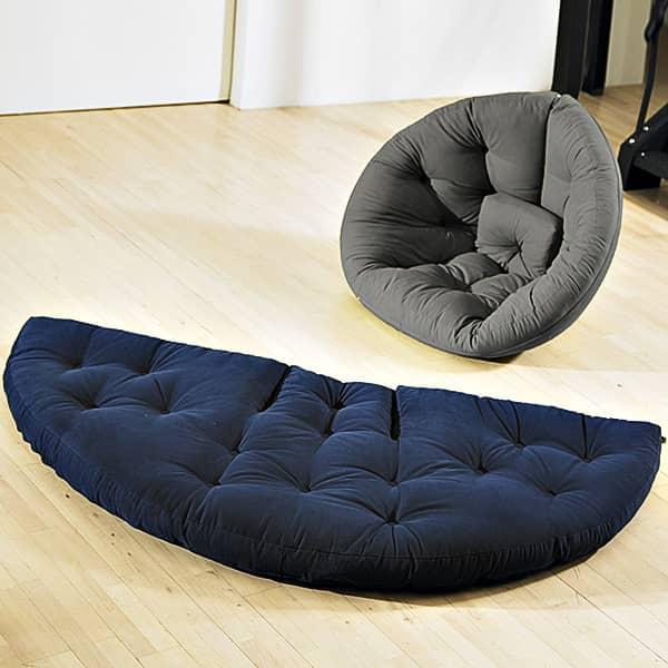 NEST, sillón del día, Futón en la noche: NEST es acogedor, práctico y muy cómodo.