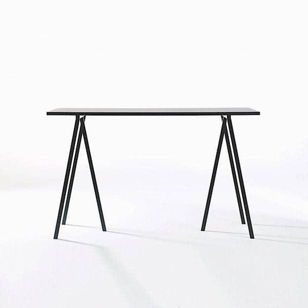 Η LOOP Stand High τραπέζι είναι όμορφη, εύκολη να ζήσει και προσιτή, HAY - διακόσμηση και ο σχεδιασμός