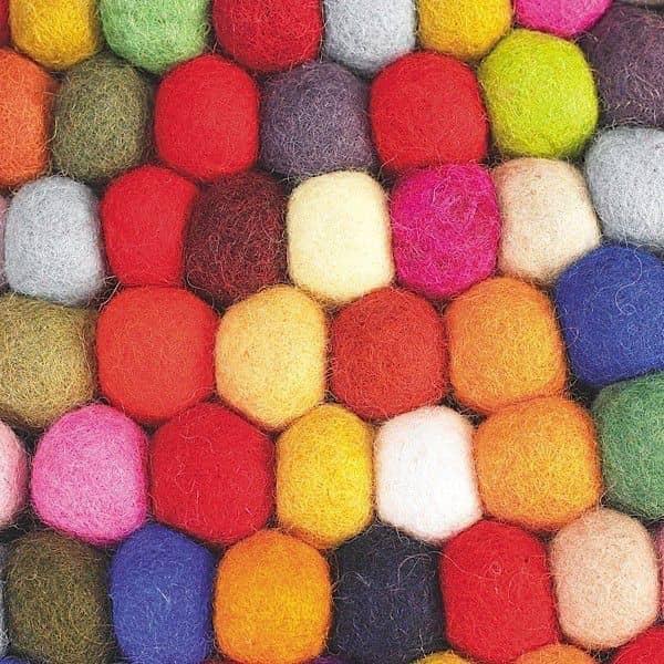 Gemutlich In Italiano : Le tapis PINOCCHIO par HAY  la couleur et le confort dune pure laine