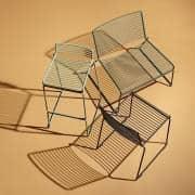 HEE Barstool by HAY室内と屋外に適しています