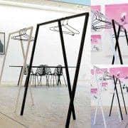 SET : 1 LOOP Stand Kleiderschrank + 20 schwarze Draht-Kleiderbügel, HAY : Nordic-Design von seiner besten Preis