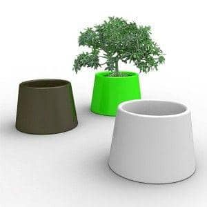 SARDANA Vase: light up your flowers with this generous outdoor pot! - deco and design