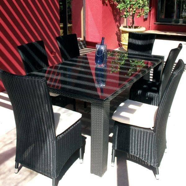 Everdark, 6 eller 8 personer spisebord med matchede up stole: et ...