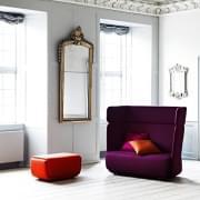 BASKET, en sofa og en stol som fargerike strandkurver. SOFTLINE