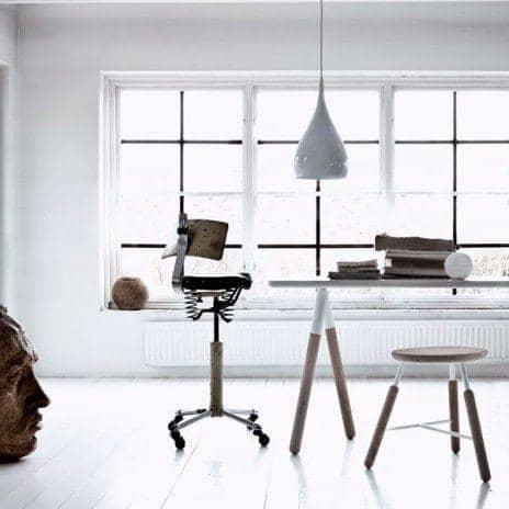 La Gamme Raft, par Norm Copenhagen - une table et des tabourets nordiques, de toute beauté ! déco et design