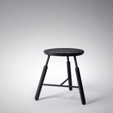La Gamme Raft, par Norm Copenhagen - une table et des tabourets nordiques, de toute beauté ! déco et design - RAFT tradition tabourets: Tabouret noir - hauteur 460 mm