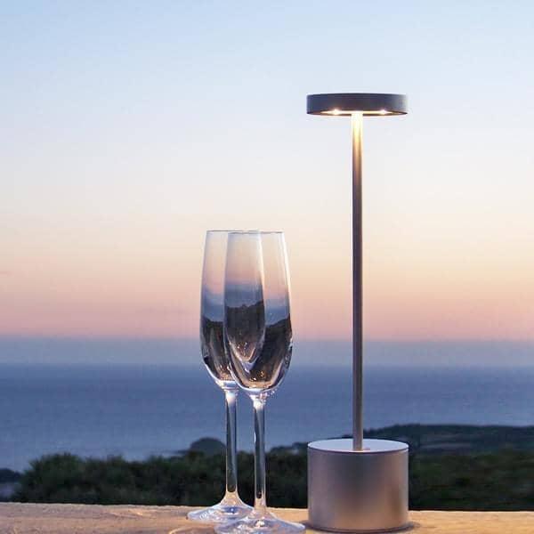 Den trådløse FIREFLY lampe, LED, bordlampe til indendørs eller udendørs brug - mobil, hjem deco og design