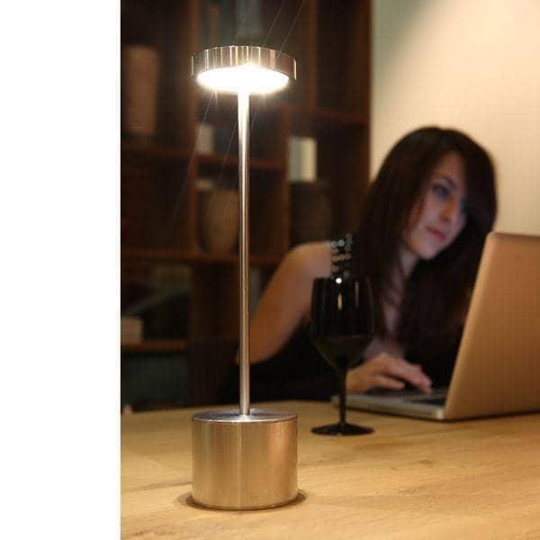 La lampe sans fil luciole led lampe de table pour un for Lampe exterieur sans fil