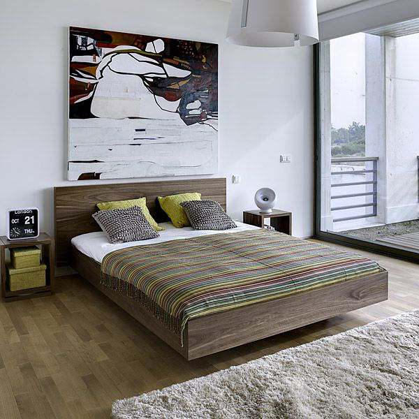 FLOAT, a bed 153 x 200 cm, 160 x 200 cm or 180 x 200 cm, available in beautiful different finishes, with or without headboard
