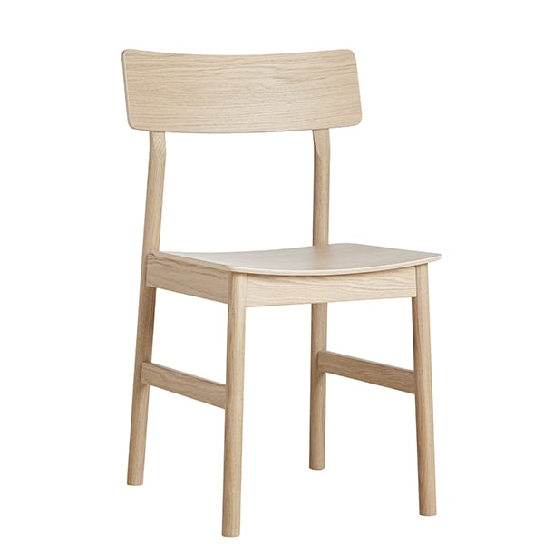 The PAUSE chair, built in solid wood, by Finnish designer Kasper Nyman