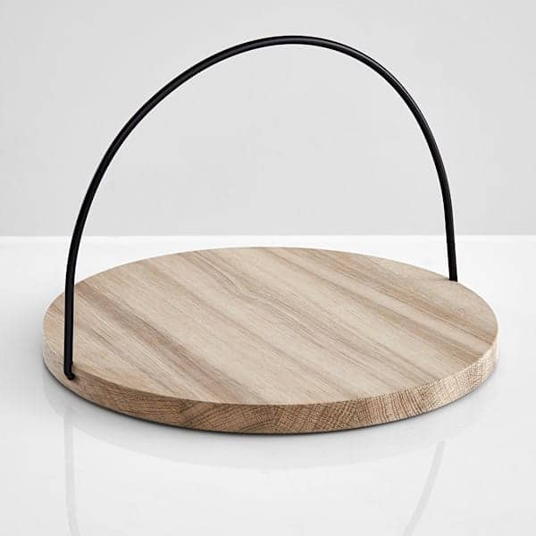 LOOP trays in solid oak: Scandinavian signature, a beautiful object for everyday use