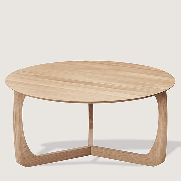 The LILI Lounge Table is reminding a water lily, Møbel