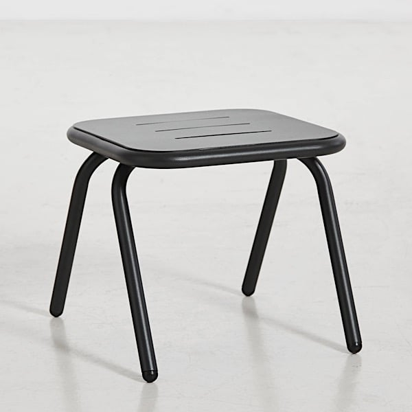 Table basse outdoor RAY, moderne et design, par WOUD