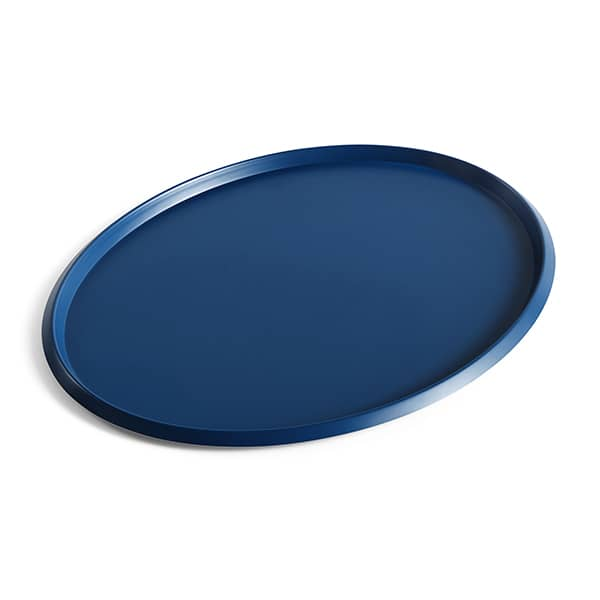 ELLIPSE, oval lacquered steel tray, available in five sizes, useful in all situations.