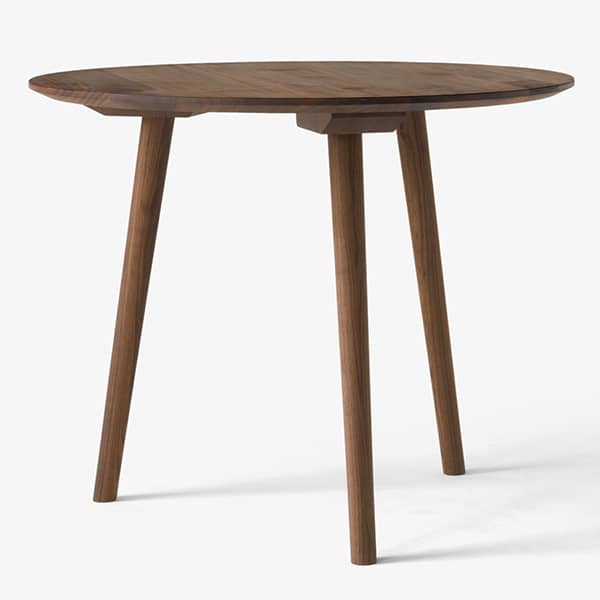Solid and elegant wooden tables IN BETWEEN SK3 and SK4. AndTradition